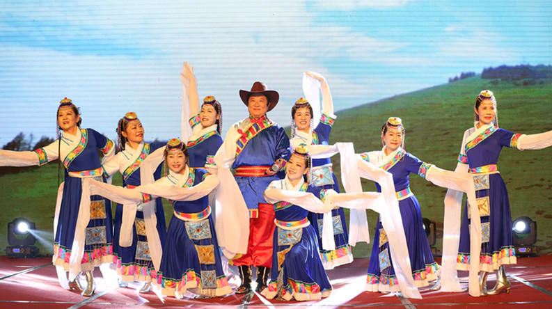 厦门乐之声合唱团带来的舞蹈《卓玛》